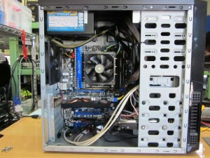 890FXの最上位マザーボードを使用