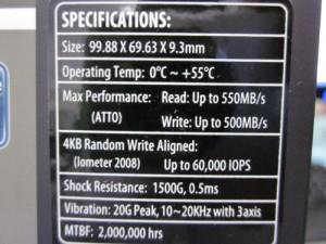 SSDの読み込み550MB/sと高速