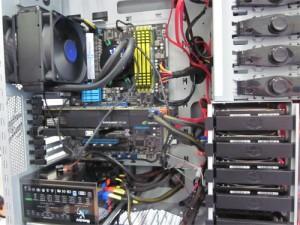 ハードディスクは2TBを4個搭載
